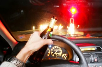 Brasileiros ainda bebem e dirigem