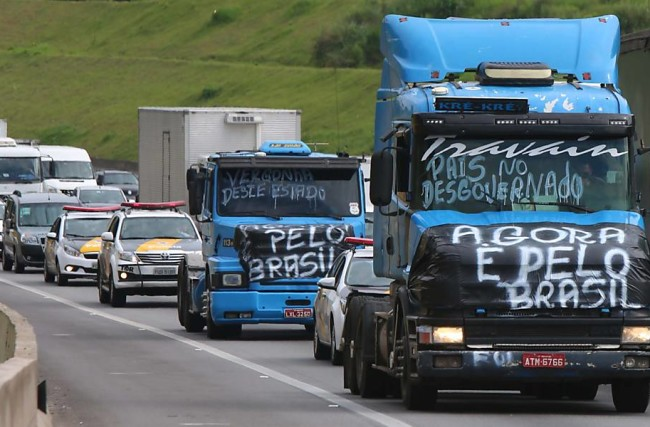 Caminhoneiros: greve, rebite e outras drogas
