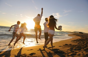 Verão: sol, mar, calor e drogas