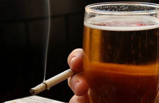 Um risco para fumantes. E até para quem ingere álcool